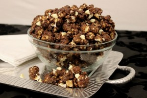 Tuxedo Chocolate Chip Cookie Popcorn